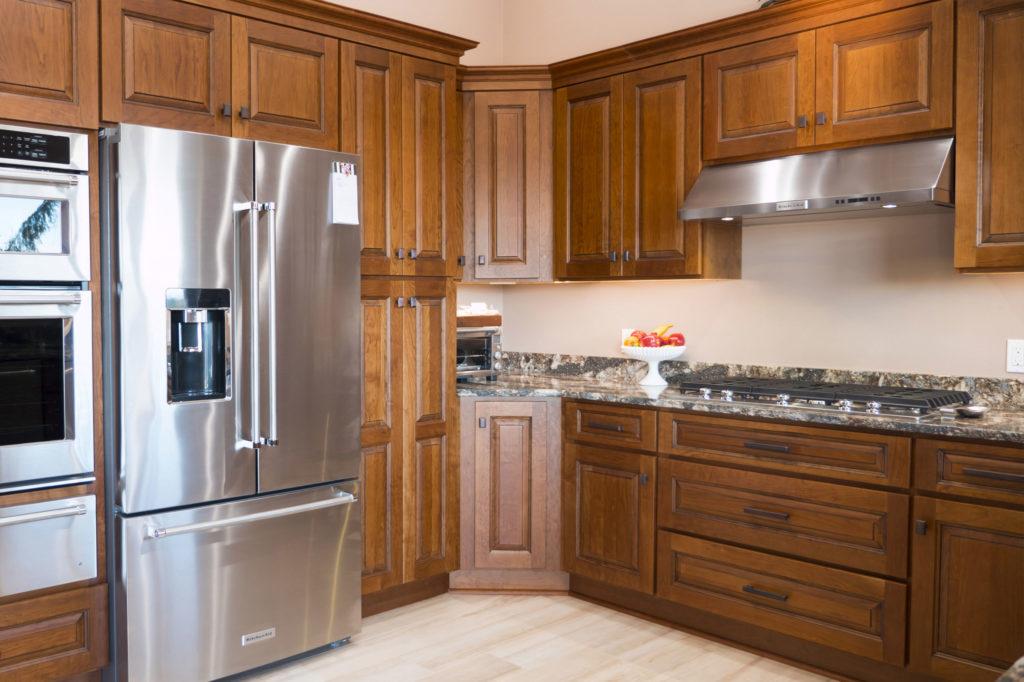 Custom cinnamon stained cherry kitchen cabinets for Cinnamon cherry kitchen cabinets